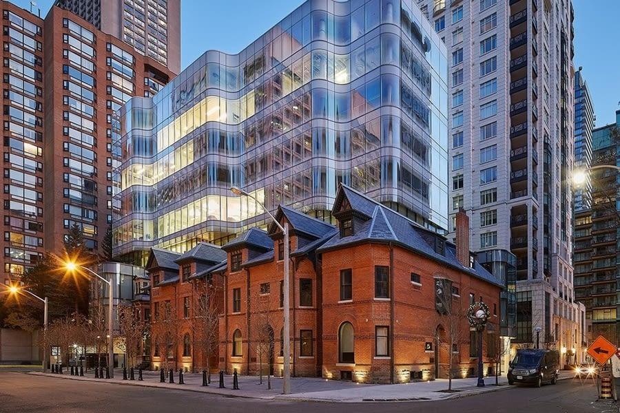 Full Building Street View for Restoring 7 St Thomas Street